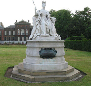 Louise's statue of her mother at Kensington.